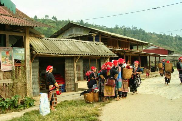 Phong tục tập quán của các dân tộc ở sapa