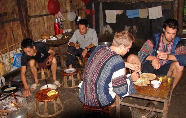 Phong tục tập quán của các buôn làng