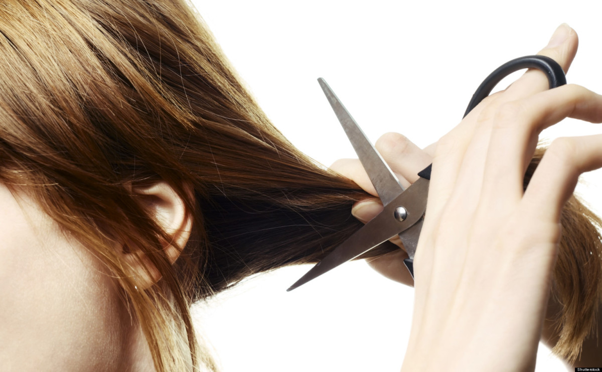 Mơ thấy người khác cắt tóc cho mình dự báo may mắn, phát tài