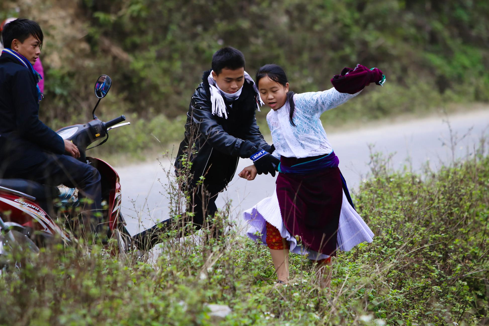 Tục lệ bắt vợ truyền thống của dân tộc H'Mông