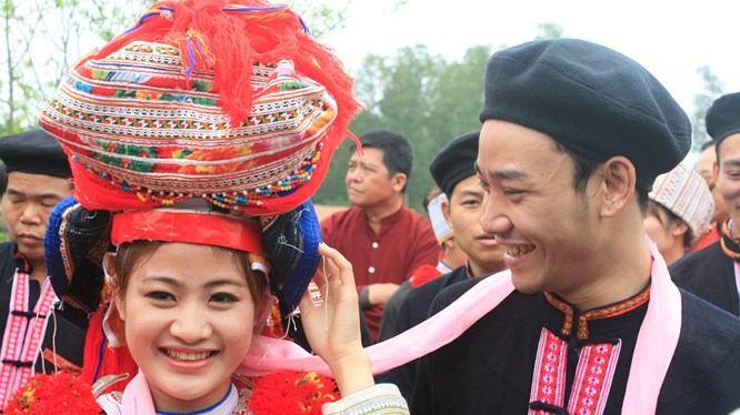 Tục lệ cưới hỏi độc đáo của dân tộc Dao đỏ