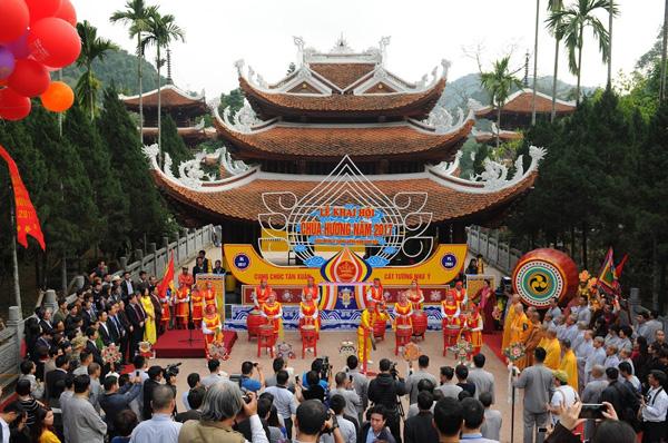 Phong tục lễ chùa-lễ hội chùa hương nét độc đáo trong truyền thống người Việt