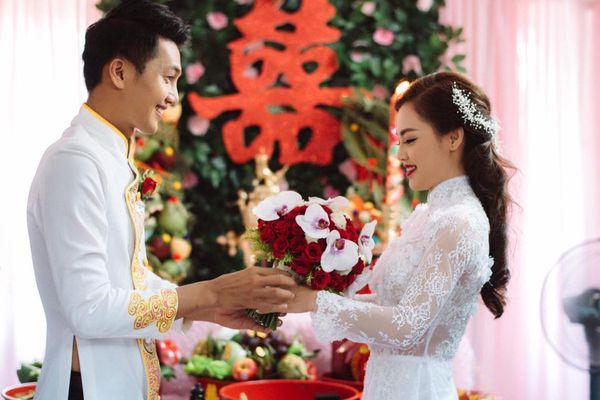 Cô dâu không được quay mặt lại trong lễ rước dâu