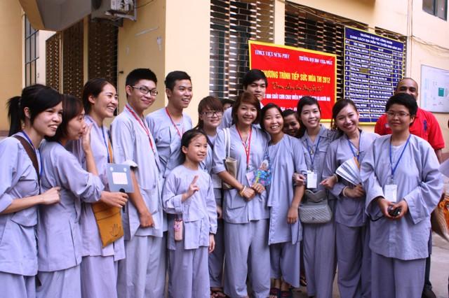 Trang phục khi đi lễ chùa