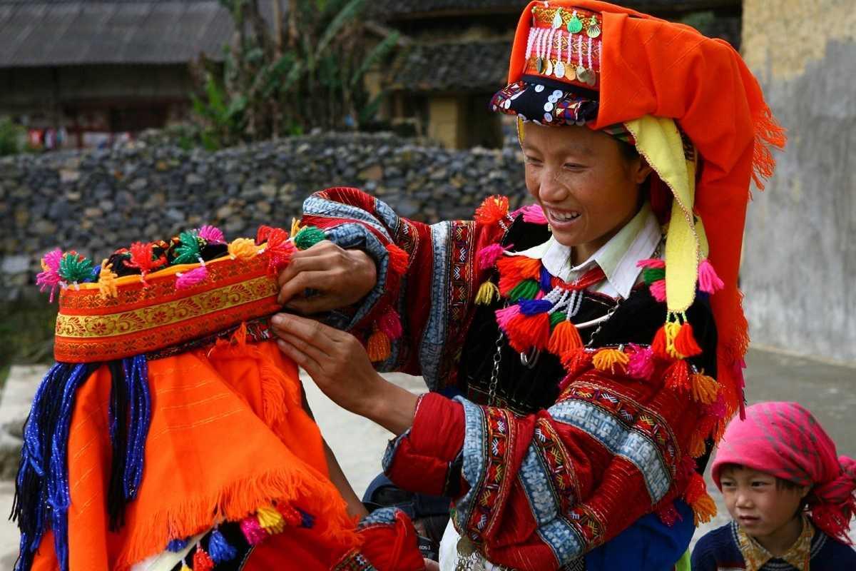 Trang phục cưới hỏi của người dân tộc Hà Nhì