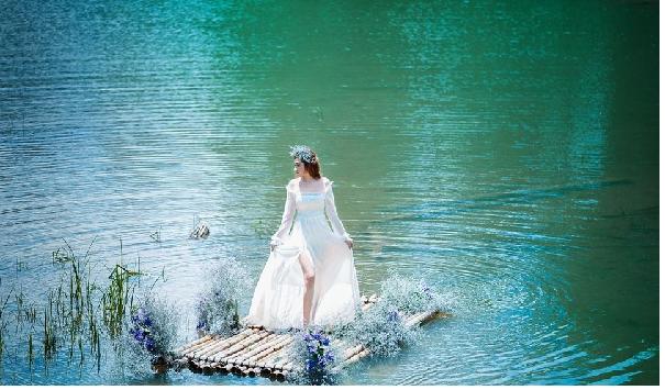 Xem ngày cưới cho nữ quý dậu tránh năm tuổi Kim Lâu