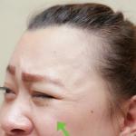 Nháy mắt trái liên tục thể hiện sự mệt mói, stress kéo dài