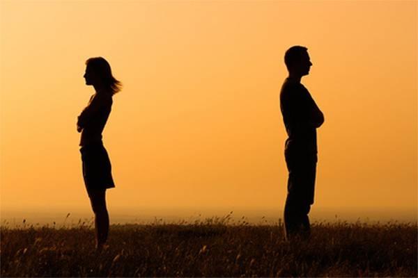 Mơ thấy người yêu cũ kết hôn là điềm báo gì?