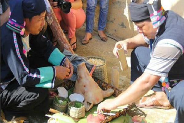 Phong tục đón tết độc đáo của dân tộc Việt