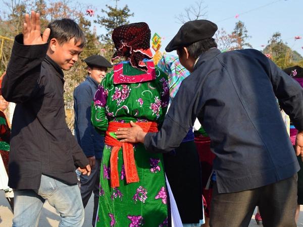 Phong tục đón tết độc đáo của người H'Mông