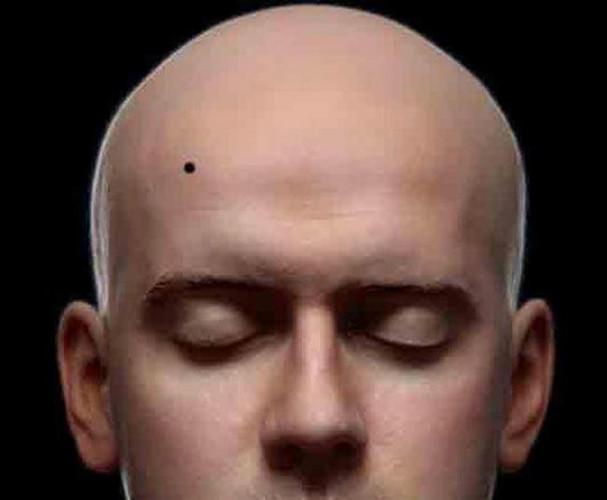 Đoán số mệnh qua vị trí nốt ruồi trên trán nam giới