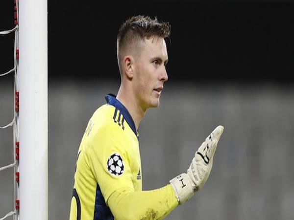 Dean Henderson đã thảo luận với HLV Solskjaer về thời gian ra sân của mình ở CLB