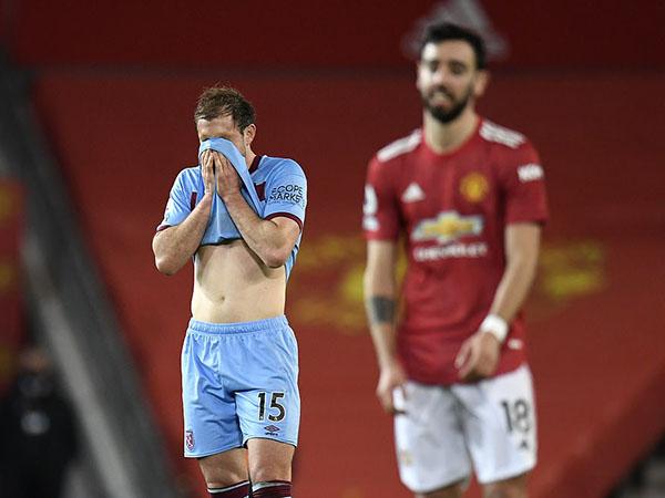 Tin bóng đá sáng 15/3: Man Utd thắng tối thiểu