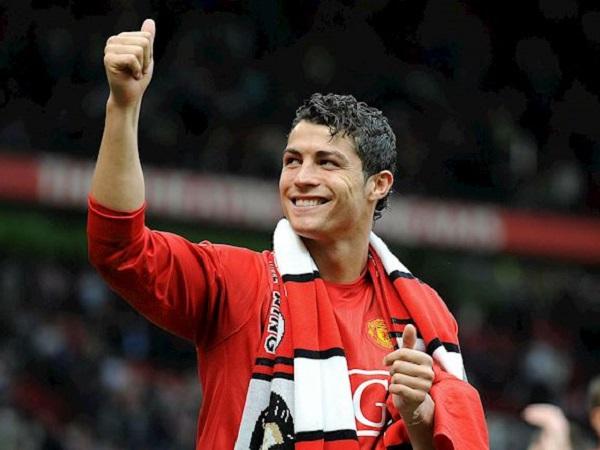 Tin bóng đá sáng 31/8: Ronaldo có cơ hội lấy áo số 7 tại Man Utd
